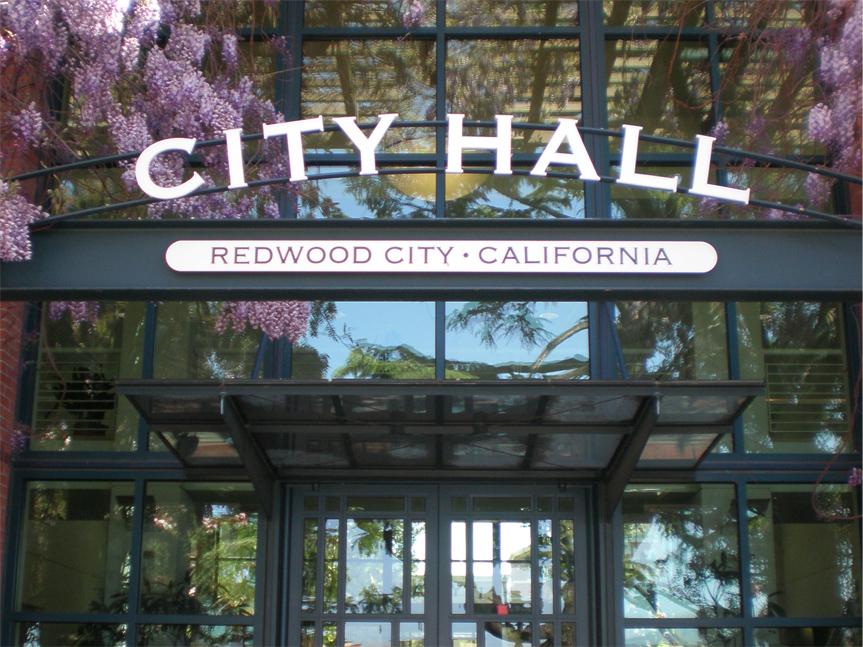 Redwood City anuncia medidas contra la falta de hogar