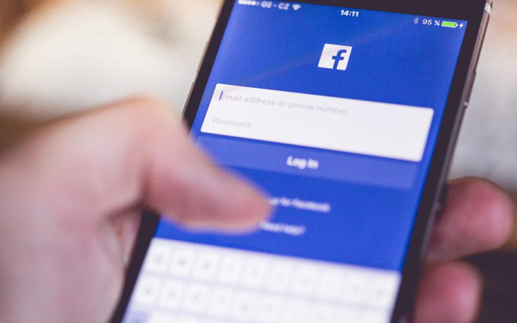 ¿Será el inicio de la caída del gigante de las redes sociales Facebook