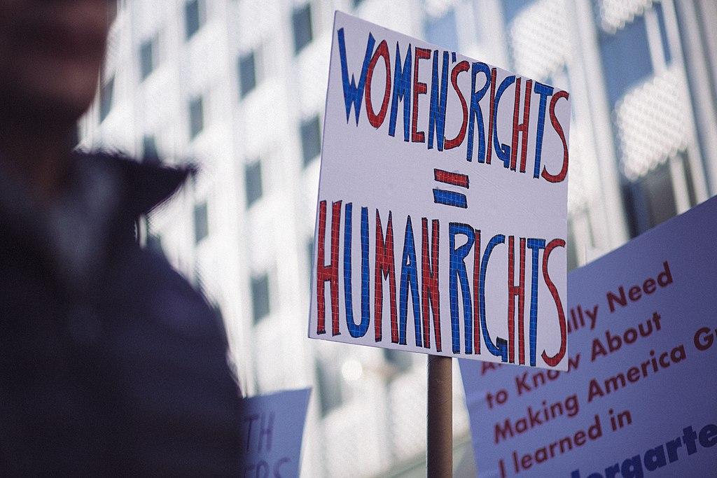 Mujeres, principal blanco de ataques de odio por xenofobia